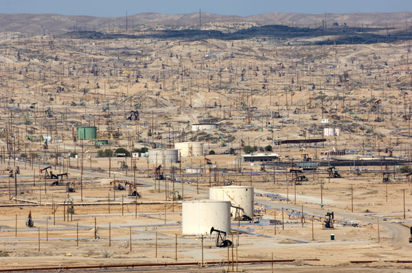 Kern River Oil Fields, Bakersfield, California